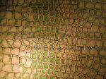 Krepp papír kígyó mintás