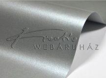 Ezüst színű, metál fényű papír, kétoldalas - 21x30 cm, - 10 lap