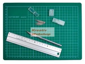 Papírvágó kés készlet fém vonalzóval és papírvágó alátéttel, vágólap, vágó alátét